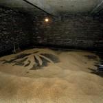 Emptying kiln